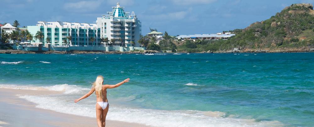 LIGHTHOUSE 2C... Stunning Views, Luxury 3BR Oceanfront Condo, Walk To Beach